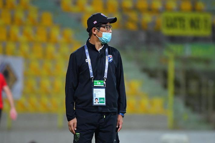 HLV Nishino nhận nhiệm vụ cuối cùng ở tuyển Thái Lan sau khi về quê chịu tang mẹ - Ảnh 1.