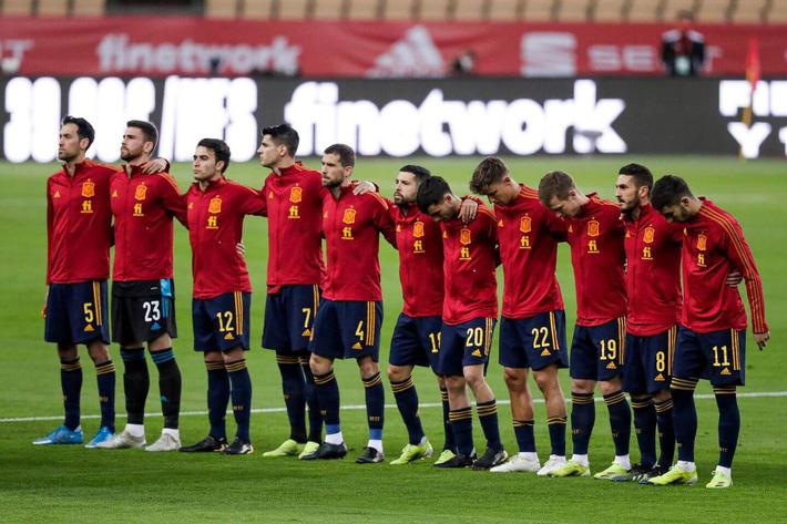 BẢNG E EURO 2020: Không đua bằng tên tuổi - Ảnh 1.