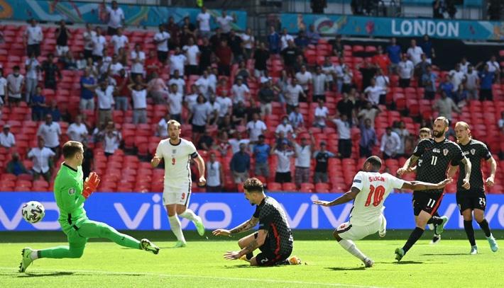 Hạ gục Á quân World Cup, sao Man City cùng tuyển Anh phá kỷ lục buồn tồn tại gần 40 năm - Ảnh 3.
