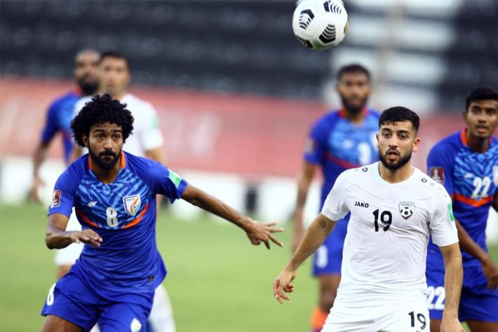 ĐTQG từng thua UAE 0-6 chật vật hoàn thành mục tiêu; Đội bóng Đông Nam Á chia điểm đáng thất vọng - Ảnh 1.