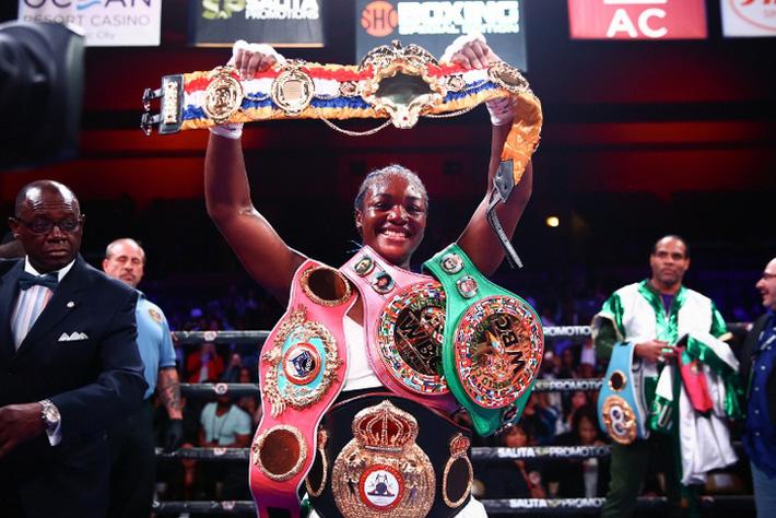 Boxer nữ số 1 thế giới Claressa Shields: Tập MMA khó hơn quyền Anh rất nhiều - Ảnh 1.