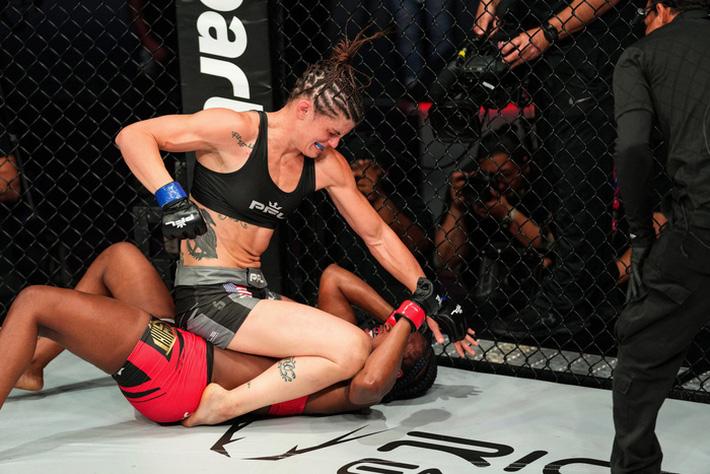 Boxer nữ số 1 thế giới Claressa Shields: Tập MMA khó hơn quyền Anh rất nhiều - Ảnh 2.