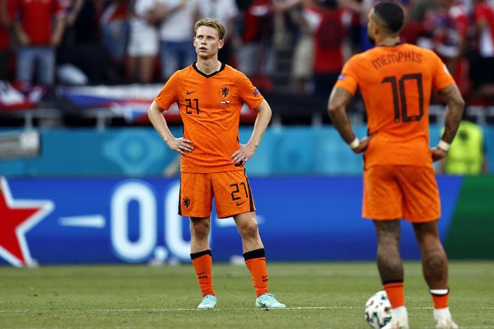 CHÍNH THỨC: Huấn luyện viên thứ 2 từ chức tại Euro 2021 - Ảnh 1.
