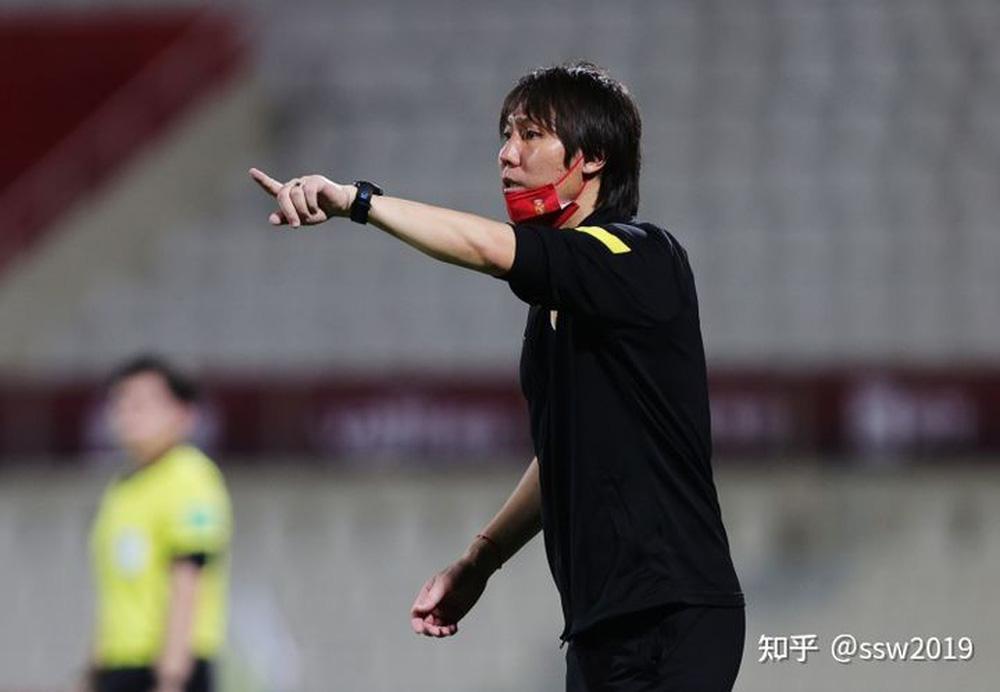 Chê bai thẳng thừng, HLV tuyển Campuchia khiến làng bóng đá Trung Quốc nổi giận - Ảnh 2.