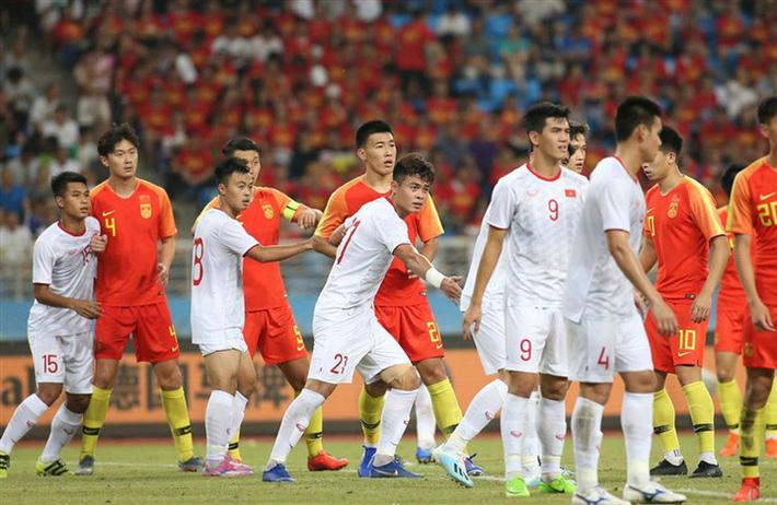 Tuyển Trung Quốc hơn tuyển Việt Nam nhiều mặt, nhưng cũng một chín một mười thôi! - Ảnh 2.