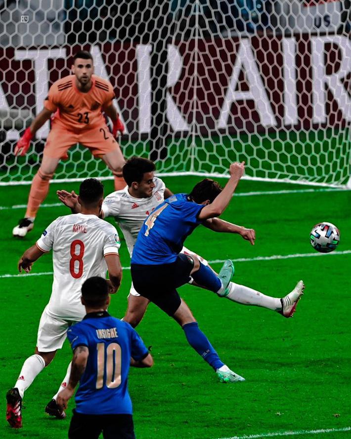 Bình luận: Cuộc đấu chiến thuật đỉnh cao giữa Italy và Tây Ban Nha - Ảnh 5.