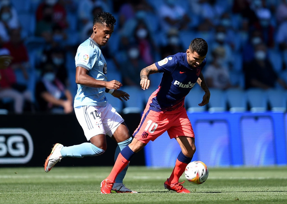 Đương kim vô địch La Liga giành 3 điểm nhọc nhằn trong ngày ra quân - Ảnh 2.