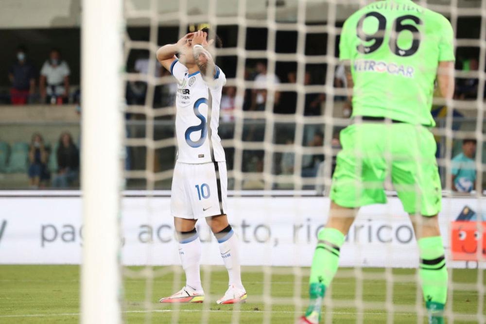 Inter xuất sắc lội ngược dòng đánh bại Verona với tỷ số 3-1 - Ảnh 1.