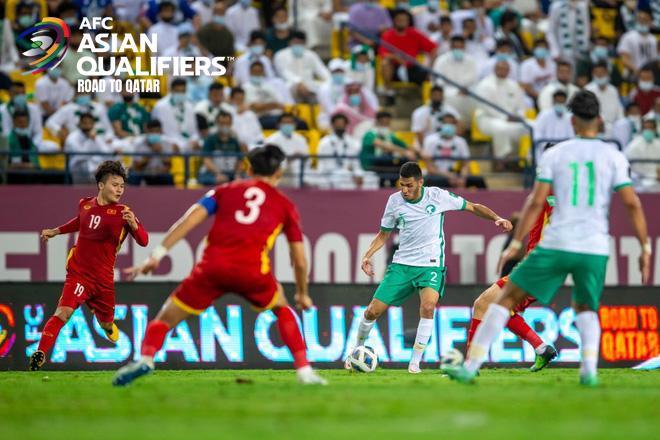 Kết quả Ả Rập Xê Út vs Việt Nam: Quang Hải rực sáng, thẻ đỏ đầy tiếc nuối của Duy Mạnh đẩy Việt Nam vào thảm cảnh - Ảnh 2.