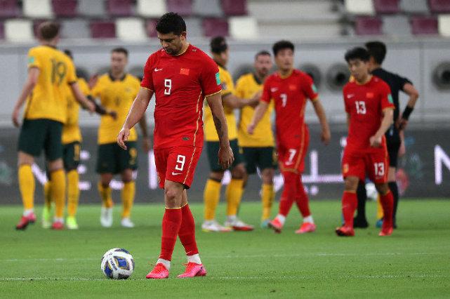 """""""Các cầu thủ nhập tịch Trung Quốc đáng nhận 0 điểm, họ không xứng góp mặt ở ĐTQG"""" - Ảnh 1."""