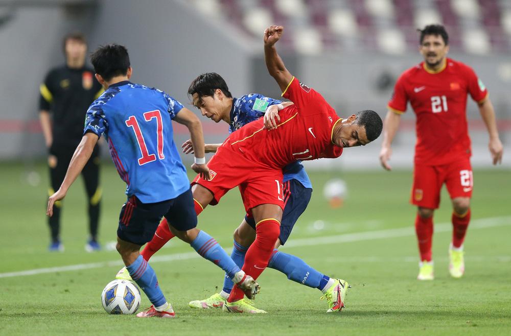 """""""Các cầu thủ nhập tịch Trung Quốc đáng nhận 0 điểm, họ không xứng góp mặt ở ĐTQG"""" - Ảnh 2."""